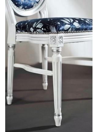 3246/SR Стул, P66 белый с патиной и серебряными деталями / ткань UPH GENE 3057 LIGHT BLUE СКИДКА 50%